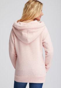 Elbsand KRIA – Kapuzenjacke in lachs aus Sweatshirt Material in schmalem Schnitt und schönen Rippdetails in angenehm weicher Baumwolle. Tonaler Print, geprägtes Kunstlederbadge am Arm.