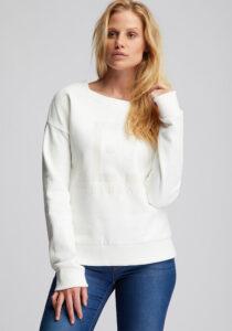 Elbsand FINNIA – lässiges Sweatshirt mit Boatneck in weiß. Großer Logo Flockprint, kastiger Schnitt und angenehm weiche Baumwolle.