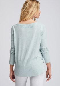 Elbsand TONA – langarm Shirt mint mit weitem Rundhals-Ausschnitt. Raffinierter oversized Schnitt mit langen Rippbündchen und rund geschnittenem Saum. Angenehm weicher Melange Baumwoll Jersey.