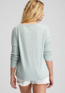 Elbsand INGRA – langarm T-Shirt in mint mit großem tonalen Logoprint. Kastiger, legerer Schnitt, angenehm weiche Baumwollmischung.
