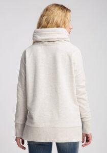 Elbsand BIRTE – Sweatshirt in weiß mit hohem Kragen und Schlitzen, hüftlang, gerader Schnitt, überschnittene Schultern, kuschelig angeraut, breite Kordeln, Logostick.
