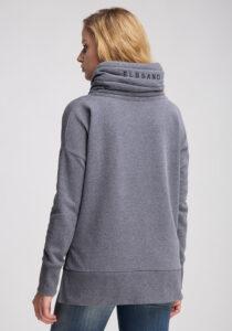 Elbsand BIRTE – Sweatshirt in grau mit hohem Kragen und Schlitzen, hüftlang, gerader Schnitt, überschnittene Schultern, kuschelig angeraut, breite Kordeln, Logostick.