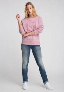 Elbsand FINNIA – lässiges Sweatshirt mit Boatneck in rosa. Großer Logo Flockprint, kastiger Schnitt und angenehm weiche Baumwollmischung.