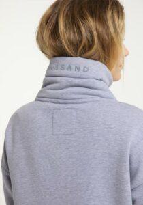 Elbsand ERLA – Sweatjacke in flieder, loose fit, XL-Stehkragen, Tunnelzugband, Flockprint, wärmender Baumwollmix.